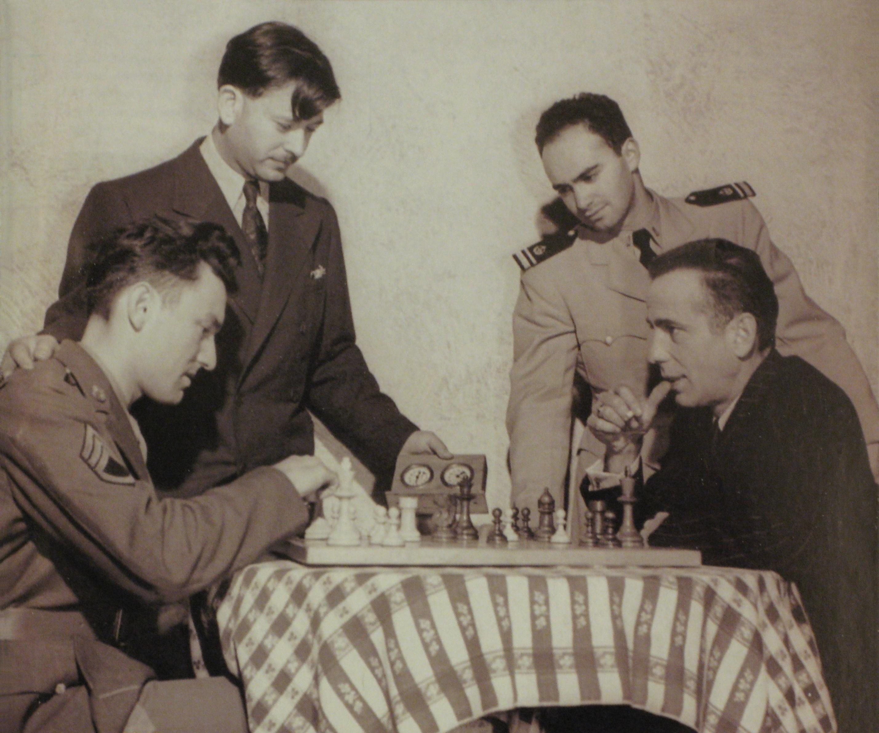Bogart vs Schiller 1944 Los